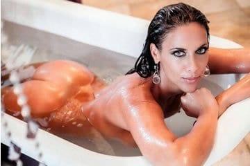 Celeb erotika - Erdélyi Melinda (Playboy)