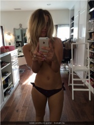 20170812-Celeb erotika - Kaley Cuoco 04.jpg