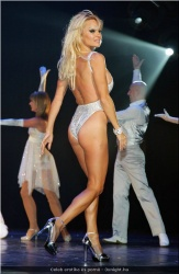 20090623-Celeb erotika - Pamela Anderson és Paris Hilton (18).jpg