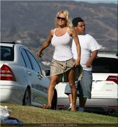 20090623-Celeb erotika - Pamela Anderson és Paris Hilton (19).jpg